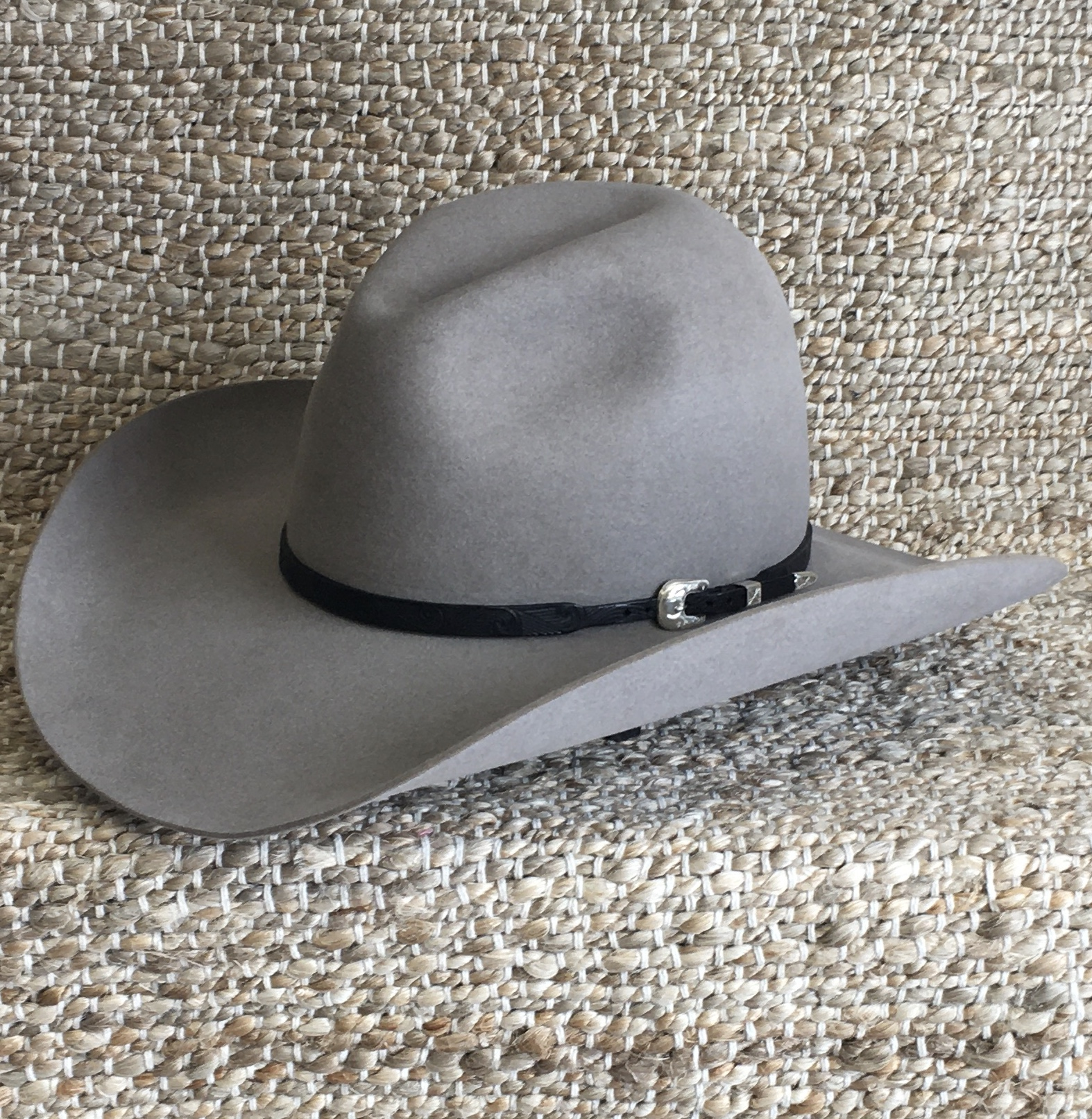 BLACK FINGER CARVED HAT BAND 3/8-1/4 (2 AVAILABLE)