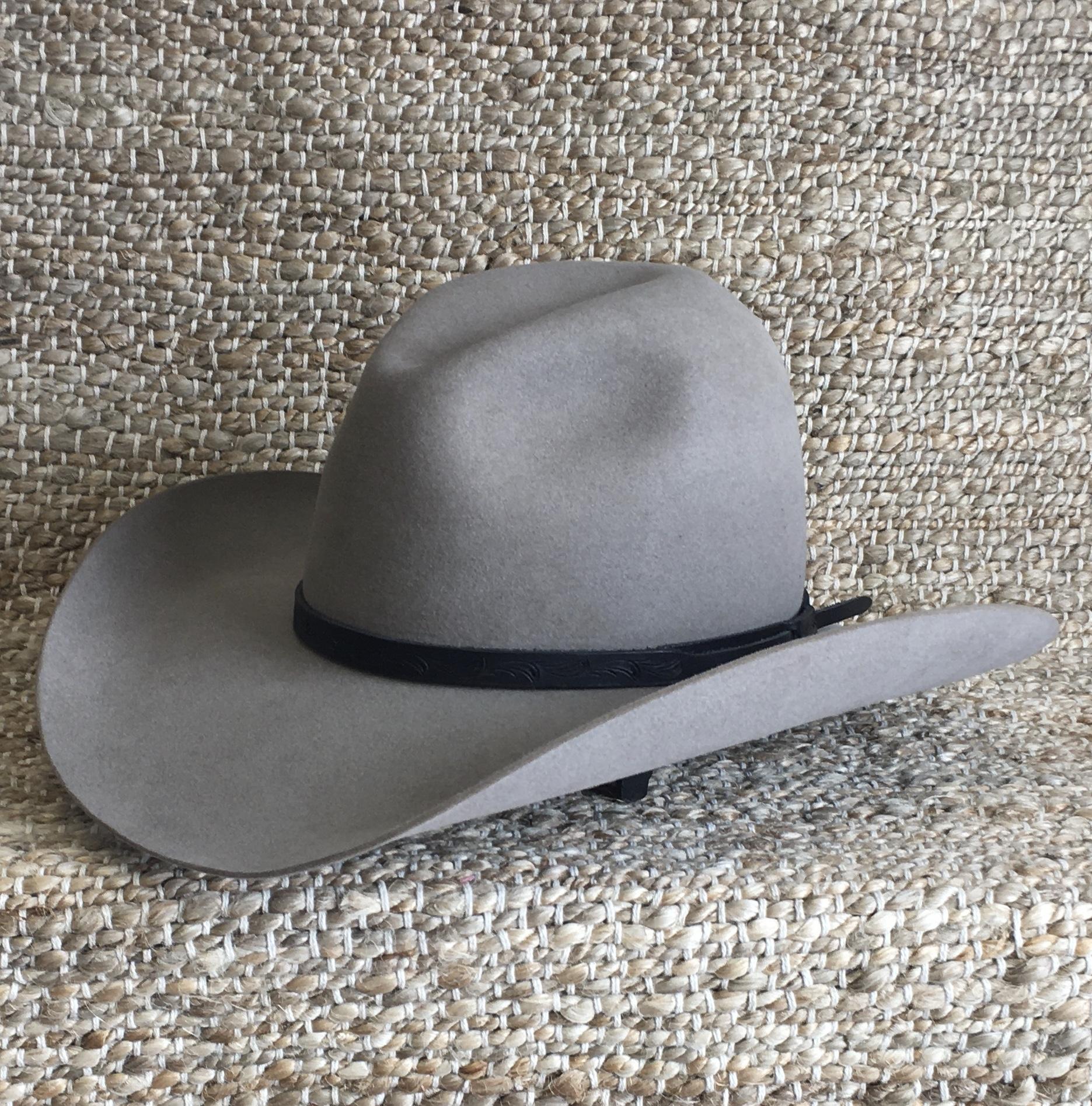 BLACK SLINGSHOT CARVED HAT BAND