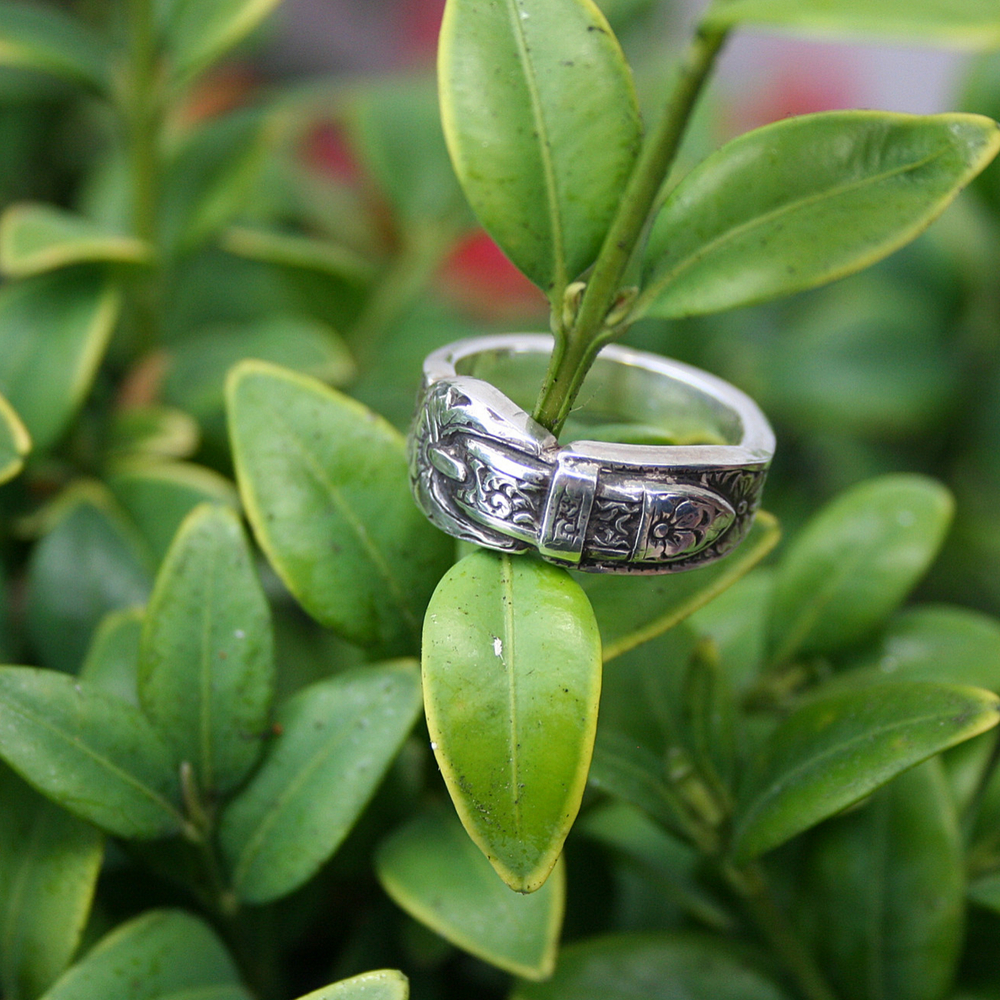 ST STERLING SILVER BUCKLE RING 7 (1 AVAILABLE)