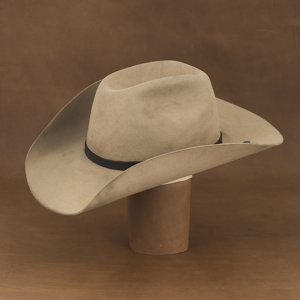 COWBOY HAND CURL DISTRESSED CHAMPAGNE