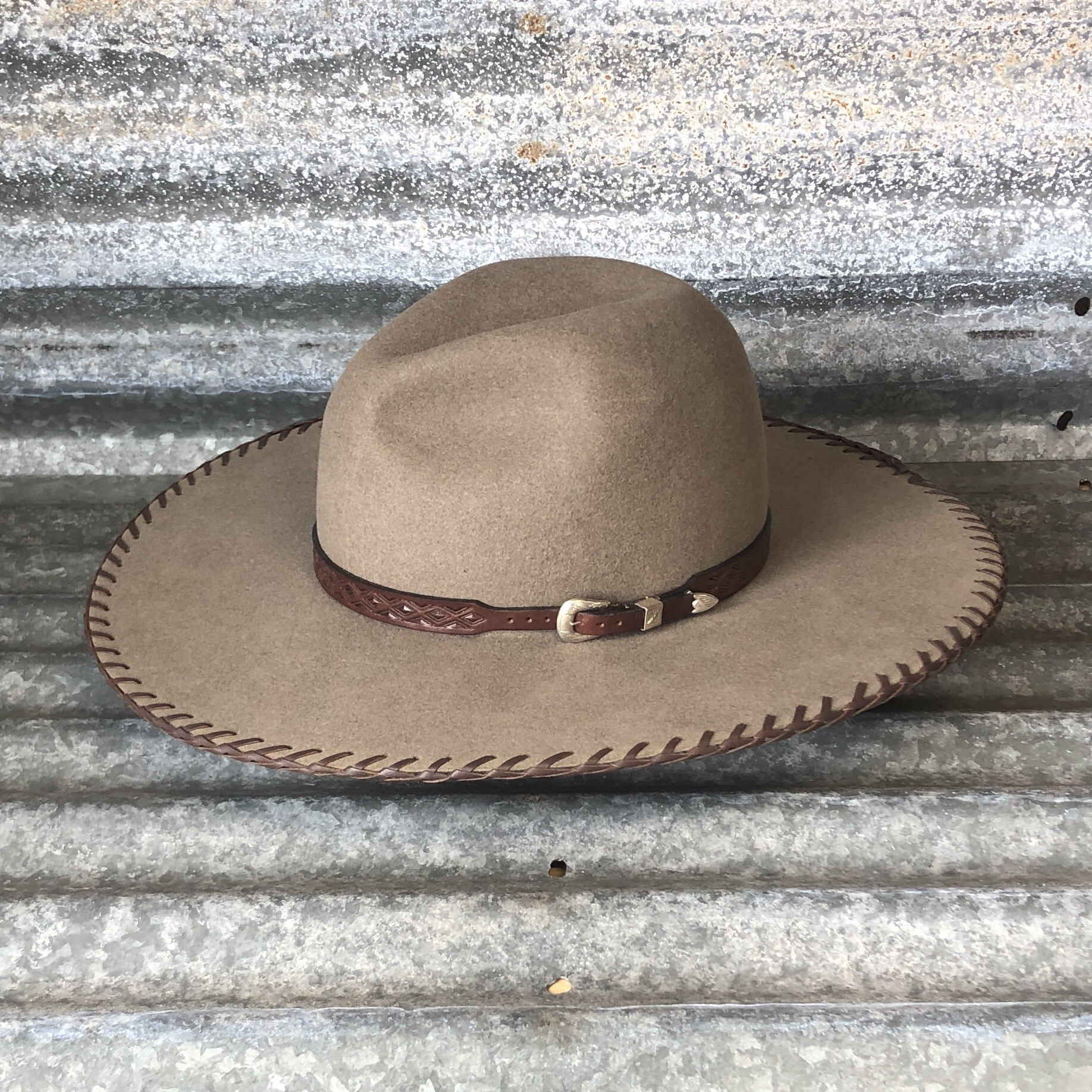 NATURAL LOW GUS WITH BRAIDED BRIM