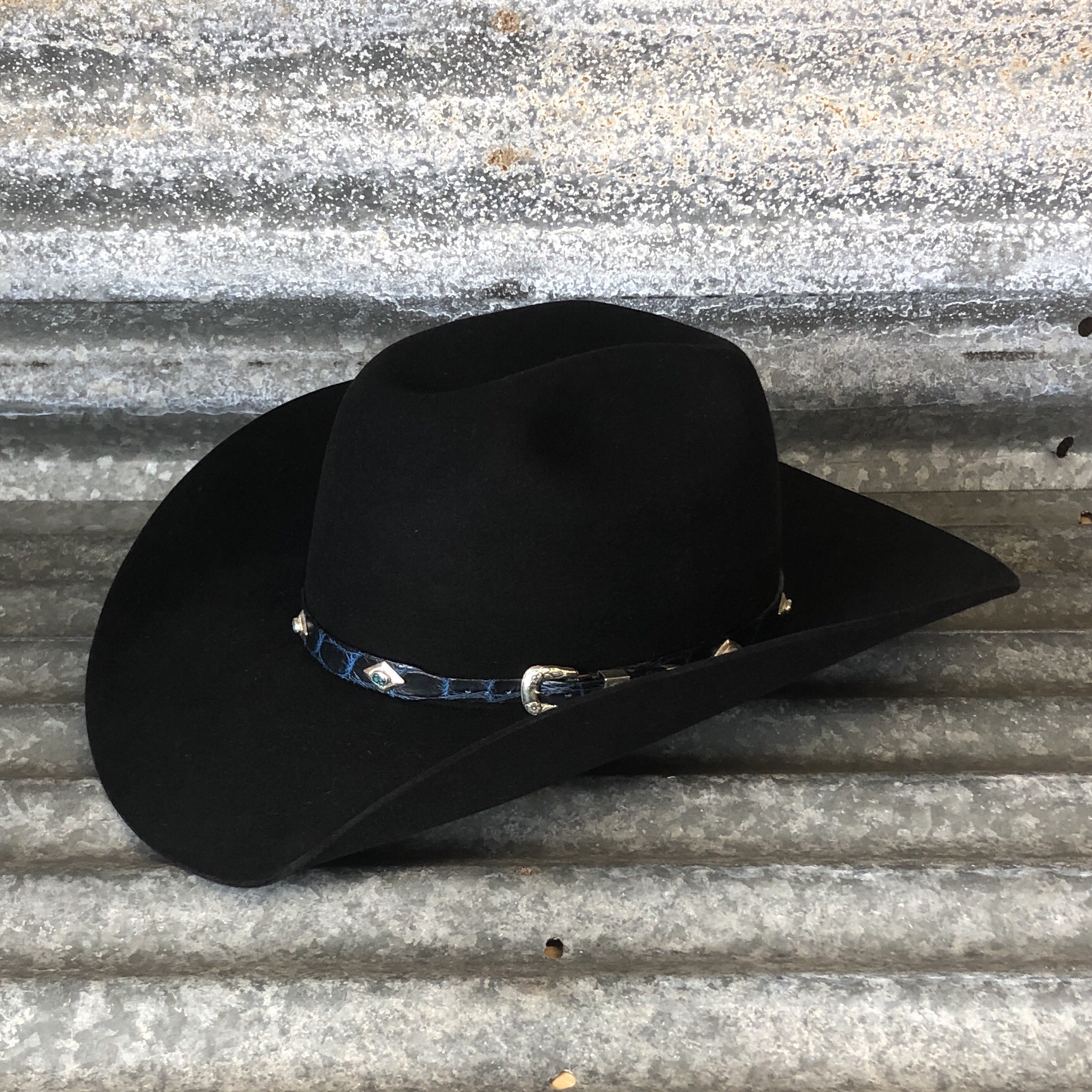 BLACK COWBOY/SHOVEL WITH BLACK AND BLUE ALLIGATOR WITH SS AND TURQOISE BAND