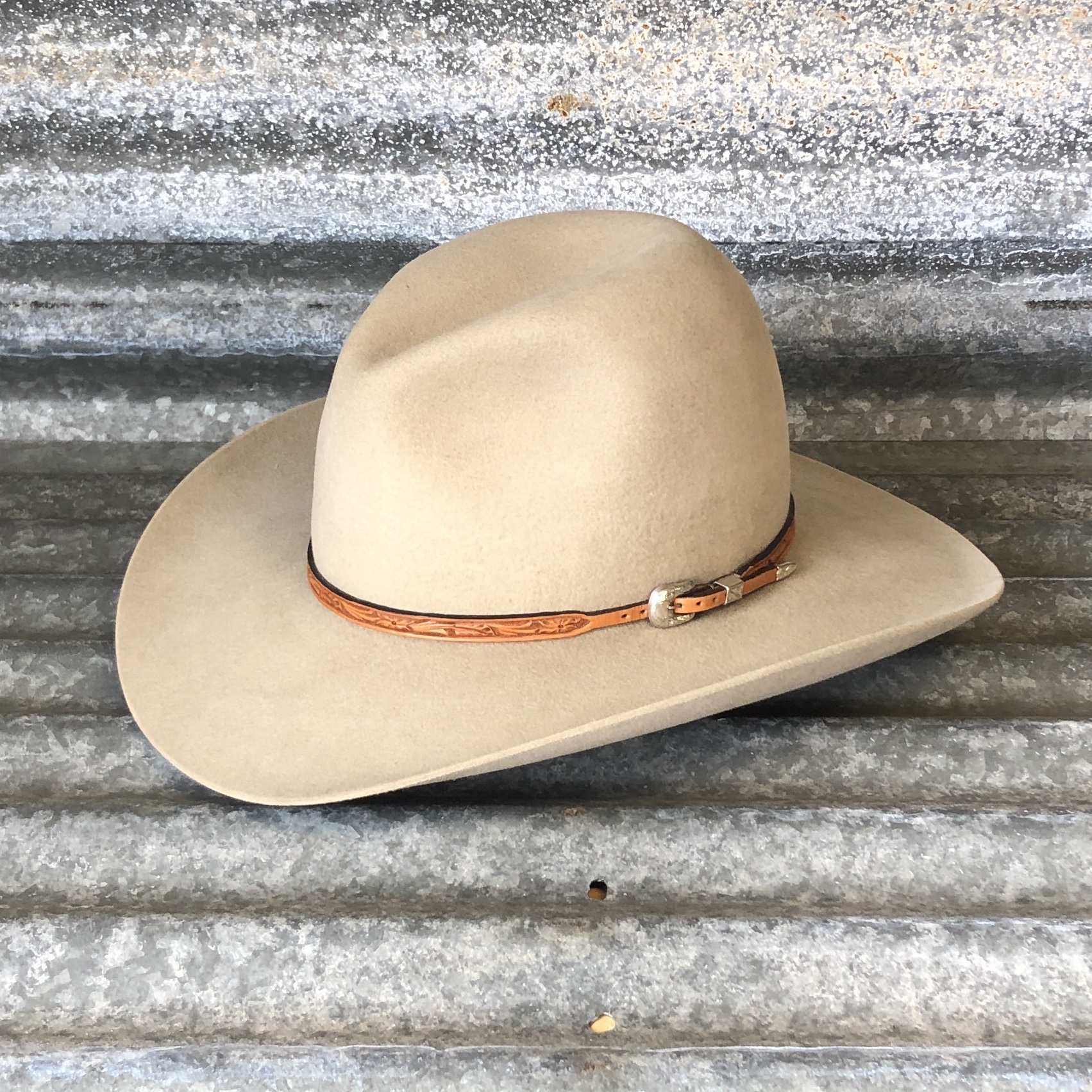 """LOW GUS BELLY CURL 3.75"""" CHAMPAGNE WITH NATURAL WILDROSE HATBAND"""