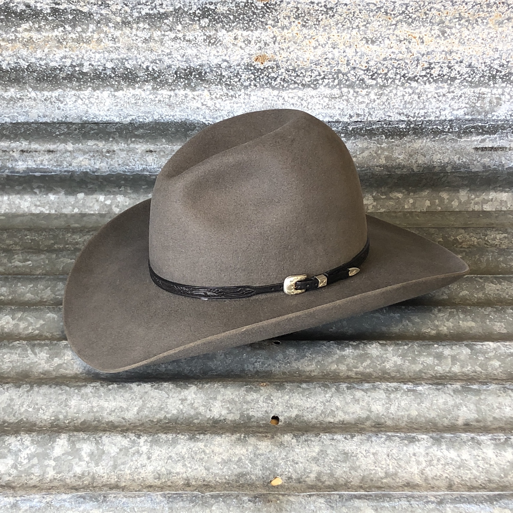 """LOW GUS BELLY CURL 3.75"""" CHARCOAL WITH BLACK WILDROSE HATBAND"""