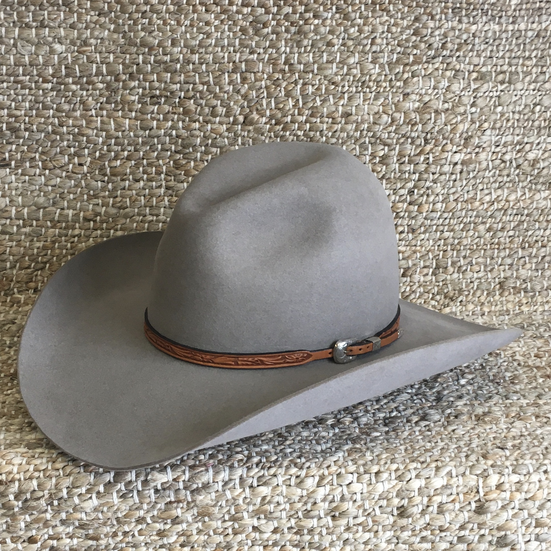 WILD ROSE TOOLED HAT BAND 3/8-1/4 NAT (4 AVAILABLE)
