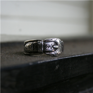 ST STERLING SILVER BUCKLE RING 7