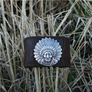 FRONT CHIEF AND WEATHERED LEATHER CUFF